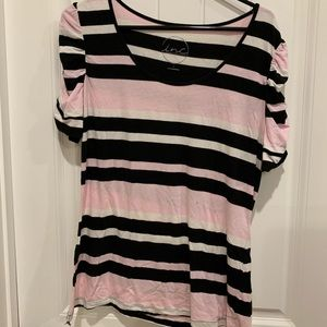 Striped T-shirt with ruched sleeves